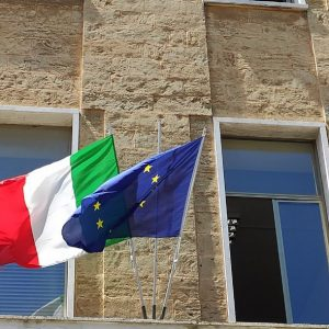 """Nuove bandiere in dono per dire """"Grazie De Giorgi!"""""""